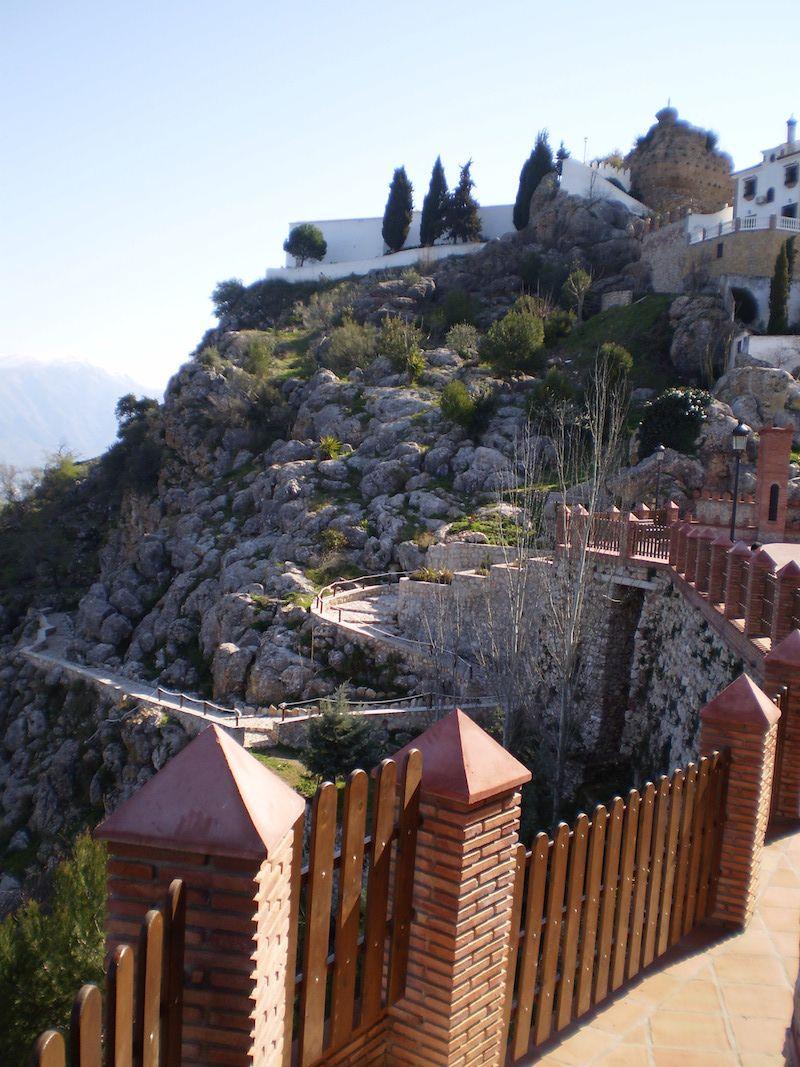 Puerta de m laga turismo comares el balc n de la axarqu a - Puertas acorazadas malaga ...